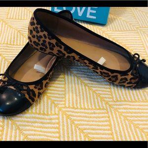Shoes - Leopard print slip on shoe. GUC. Black patent toe.